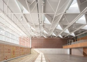 bb4701527a44ef0fdfe762dcbe246b90 300x214 - بررسی نکات فنی در زمینه اجرای سقف عرشه فولادی