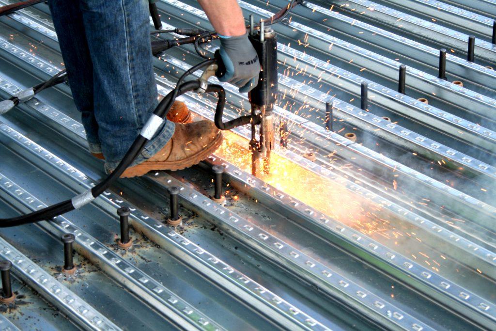 گلمیخ - طراحی گلمیخ در سقفهای عرشه فولادی